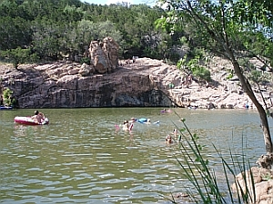 River Tubing Paddling Amp Camping In Texas Tx Hill Country